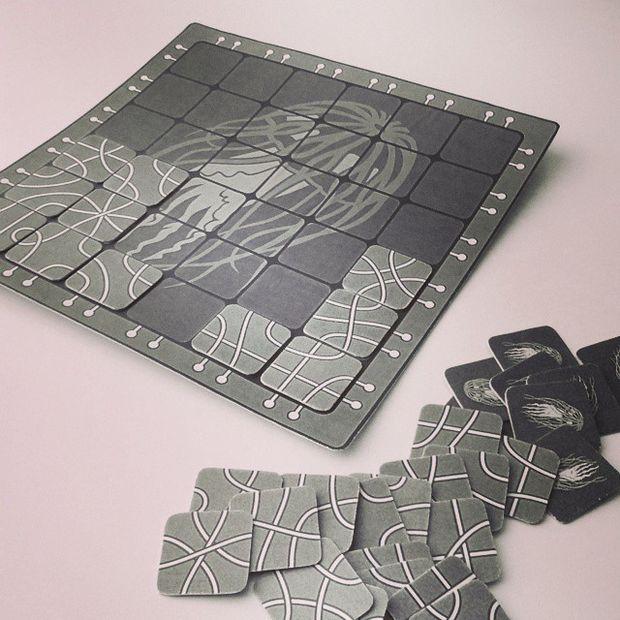 نسخه چاپی دو بعدی بازی سورو